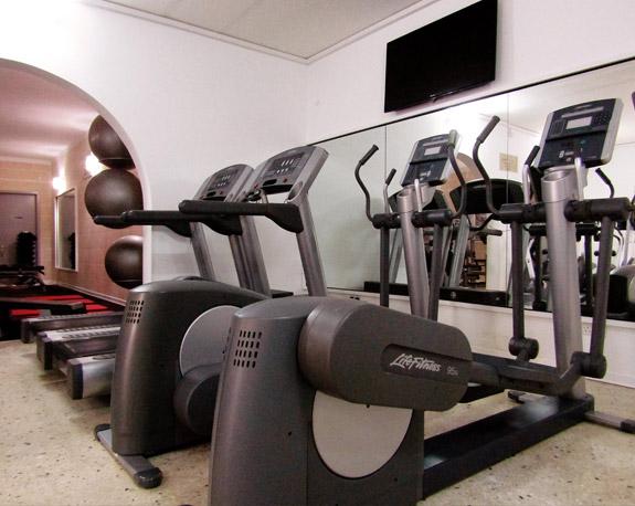 24/7 Fitness Club Santa Lucia